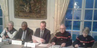Jean-Louis Fousseret maire de Besançon, Joël Mathurin Préfet du Doubs, Jean Richert Directeur de cabinet du préfet et Stéphane Beaudoux Contrôleur général du SDIS25
